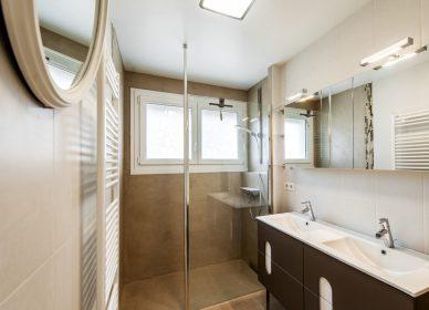 Salle de bains et cabinet de toilettes