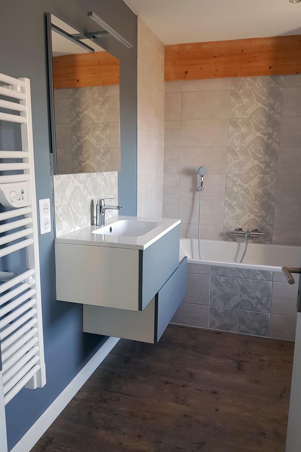 Salle de bains asymétrique - Modom