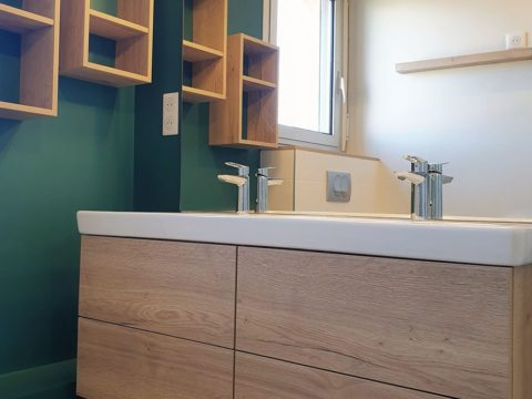 Salle de bains vert émeraude
